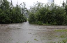 Három személy halálát okozták az elmúlt napok árvizei Romániában