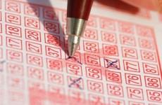 Nyert a lottón, de mielőtt átvette volna a nyereményt, belefulladt a vízbe