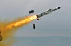 Kína állítólag kilőtt két rakétát a Dél-kínai-tengerre