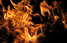 SZÖRNYŰ: Felgyújtotta magát egy újságírónő