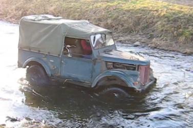 Többen megfulladtak, miután egy terepjáróval akartak átkelni a folyón