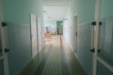 Hétfőtől tilos a beteglátogatás a rozsnyói kórházban