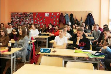 A végzős magyar alapiskolások egyharmada magyar iskola nélkül maradhat a Híd szerint
