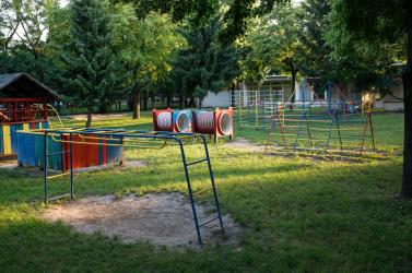 A Közegészségügyi Hivatal figyelmeztet: a parkokban és játszótereken is szükséges betartani bizonyos szabályokat