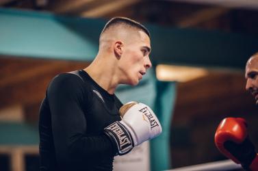 Tokio 2020: Az alsószeli származású bokszoló, Csemez Bandi a nyolccaddöntőbe jutott!