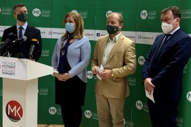 Rosszul kezeli a kormány a koronavírus-járványt, inkább válságmenedzsmentre bízná a járvány kezelését az MKP és a Híd