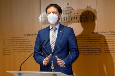 A járvány alakulásáról és az oltásról tárgyalt az osztrák és a szlovák kormányfő