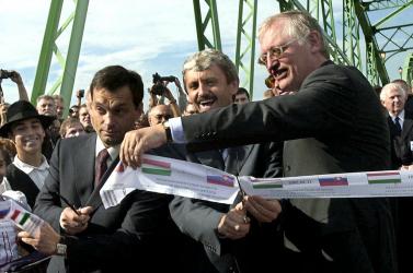 Orbán Viktor: az EU balekjai vagyunk; Mikuláš Dzurinda: Orbán elképzelése irreális és káros