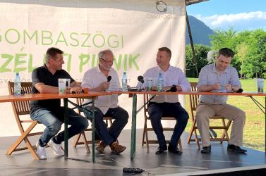 Az új magyar pártnak nem elég néhány üres szlogen