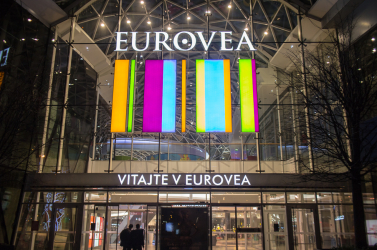 Bombariadó miatt kiürítették az egyik pozsonyi bevásárlóközpontot (VIDEÓ)