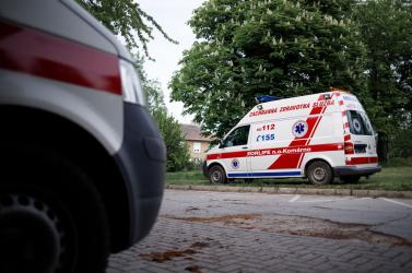 Több tucatnyi mentőt és tűzoltót hívtak egy tragikus balesethez – a helyszínen viszont bosszantó meglepetés fogadta őket