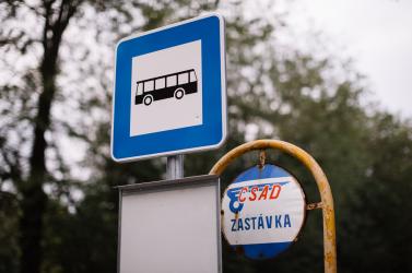 A dunaszerdahelyi SAD összes járata ingyenes, csak az arcukat védve szállhatnak fel az utasok a buszokra és a RegioJet vonataira is