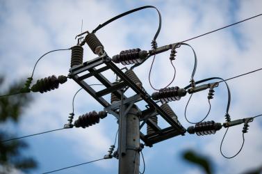 SZÉLVIHAR: Közel 7000 fogyasztó maradt áram nélkül Nyugat-Szlovákiában