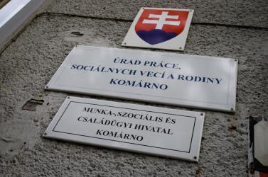 Egy év alatt 500-zal csökkent a munkanélküliek, 3000-rel az aktív lakosok száma a Dunaszerdahelyi járásban
