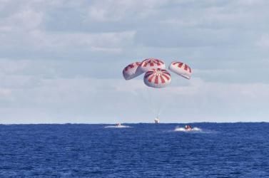 Leszállt a Space-X űrkapszulája a Mexikói-öbölben