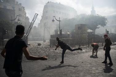 Lövések hallatszanak a bejrúti kormányellenes tiltakozáson
