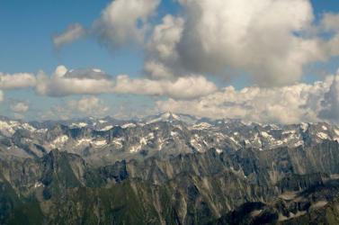 Helikopterrel kellett lehozni egy részeg turistát az osztrák Alpok egy csúcsáról
