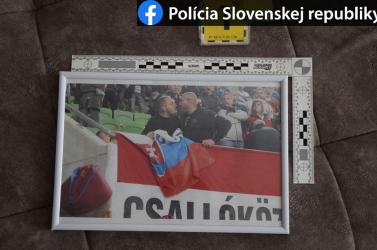 Légen razziázott a NAKA: őrizetbe vettek egy szurkolót gyűlölet-bűncselekmény miatt
