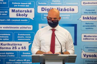 Az oktatásügyi miniszter már megnyitná az iskolákat, egyeztetni akar a koalíciós partnereivel