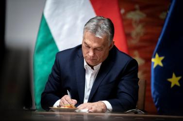 Nálunk egyelőre nem vesz földet Orbán, de hogyan megy ez Erdélyben és Vajdaságban?