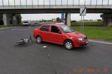 BALESET: Kerékpárossal ütközött a Fabia, a rendőrség szemtanúkat keres