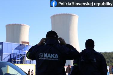 A mohi atomerőműben és Pozsonyban razziázik a NAKA!