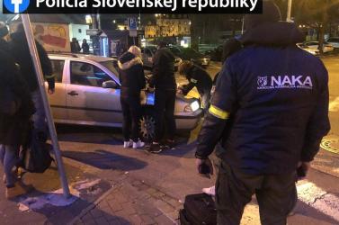 Drograzziát tartott a NAKA, négy embert vettek őrizetbe (FOTÓK)