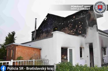 Lángokban állt egy ház, öttagú család maradt fedél nélkül karácsony előtt