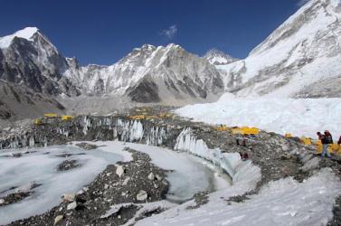 Kétszer olyan gyorsan olvadnak a Himalája gleccserei, mint negyven éve