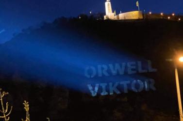 Orwell Viktor felirat jelent meg a Gellért-hegyen