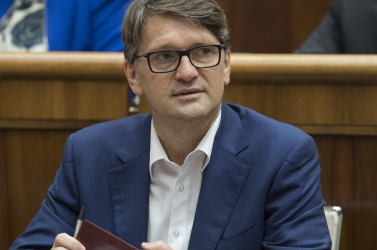 Maďarič úgy takarja orrát Danko bűzétől, hogy Fico hónaljszagát se érezze