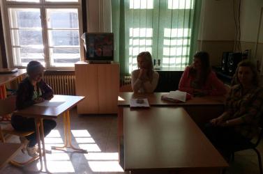 Komoly dologra készülnek a dunaszerdahelyi Egészségügyi Középiskola diákjai