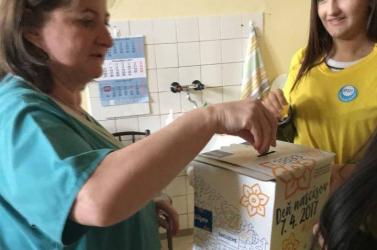 """NÁRCISZOK NAPJA: Dunaszerdahelyen az """"egészségügyisek"""
