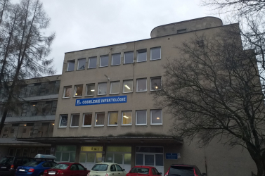 Az intenzív eső elárasztotta egy kórház covid-osztályát, a pácienseket át kellett helyezni