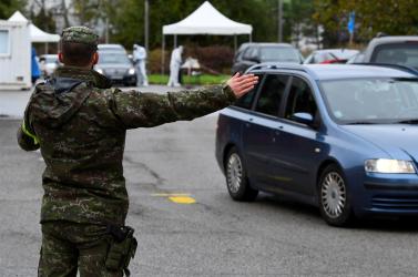 Döntött a kormány: novemberben jön a tömeges tesztelés, megbízták a hadsereget a megvalósításával