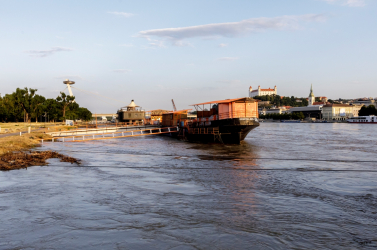 Már 730 centiméter alá apadt a Duna vízszintje Pozsonynál
