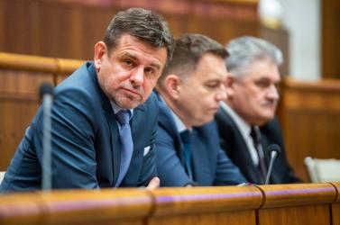 Sólymos közölte, a kormány megtartja Lubyovát