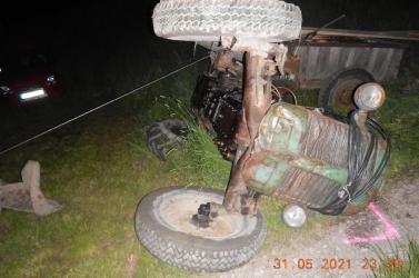 Két nyugdíjas traktorista is felborult, mindketten életüket vesztették