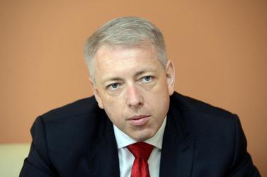 Állítólag a cseh belügyminisztert figyelte a katonai hírszerzés