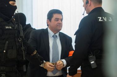 Két bírónő tett vallomást, akiket azzal gyanúsítanak, hogy kenőpénzért döntöttek Kočner javára