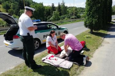 Tesztelik a rendőrök a sofőröket: arra kíváncsiak, hogy tudnak-e elsősegélyt adni
