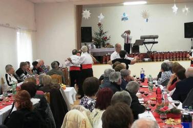 Nyugdíjasnapot tartottak Királyfiakarcsán, ismét megtelt a kultúrház