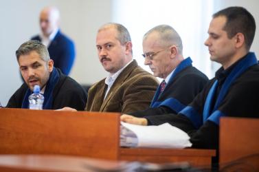Bűnösnek találták Kotlebát, 4 év és 4 hónap letöltendőre ítélték a ĽSNS elnökét