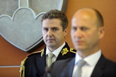 A régi rendőrfőnökök szerint Gašparnak mennie kéne