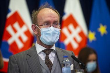 Milyen hatással lehet a pápalátogatás a szlovákiai járványhelyzetre? A szakértő szerint rosszul sülhet el, ha nem lesznek betarva az intézkedések