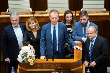 A rendkívüli üléssel kapcsolatos további lépésekről egyeztet az ellenzék, Beblavý szerint éppen a kormányfő Szlovákia szégyene