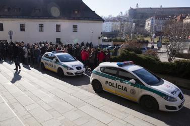 BOMBARIADÓ: Evakuálták az Igazságügyi Minisztérium és a Legfelsőbb Bíróság épületét!