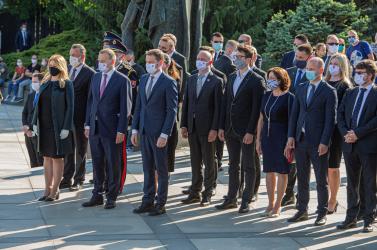 A legfőbb közjogi méltóságok a pozsonyi Slavín emlékműnél is lerótták kegyeletüket
