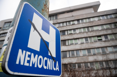 Meghalt egy koronavírusos páciens a nyitrai kórházban