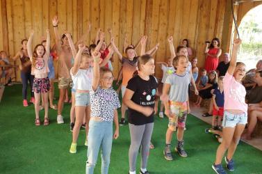 Sok móka és kacagás a Csavar-csűrben - E héten zajlott a hetényi lovas-színjátszó tábor